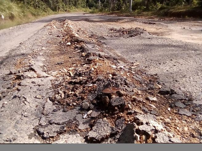 Diduga Sarat Korupsi, Pembangunan Peningkatan Jalan Tebing Bulan - Jirak