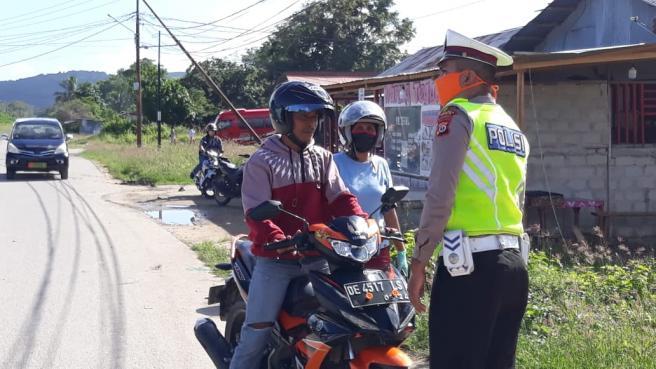 Dishub, Satuan Lantas Polres MBD dan Satpol PP MBD Tertibkan Masker di Sepanjang Jalan Kota MBD.