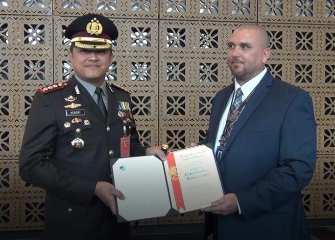 US DEA beri Penghargaan Kepada Polres Metro Jakarta Barat